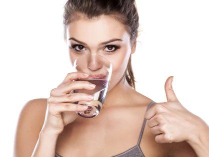 Ciò che bevi può causare danni ai tuoi denti?